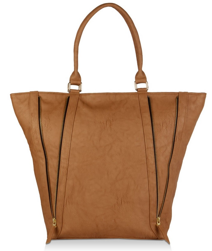286bf47faebf Bag of the Week  A Casual Tan Tote - BagsLounge